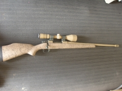 Weatherby rifle and scope_3